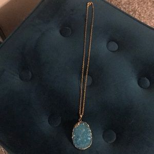 Jewelry - Beautiful teal and gold stone necklace(reversible)